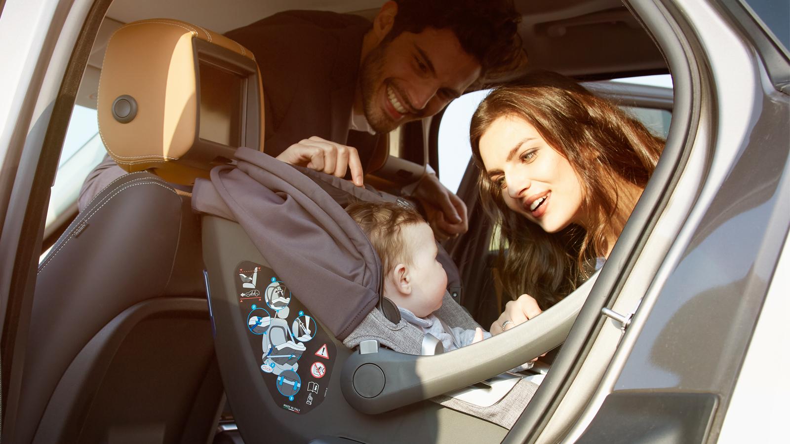 Η μεταφορά παιδικών καθισμάτων μπορεί να τραυματίσει τις νέες μητέρες, προειδοποιούν οι ειδικοί