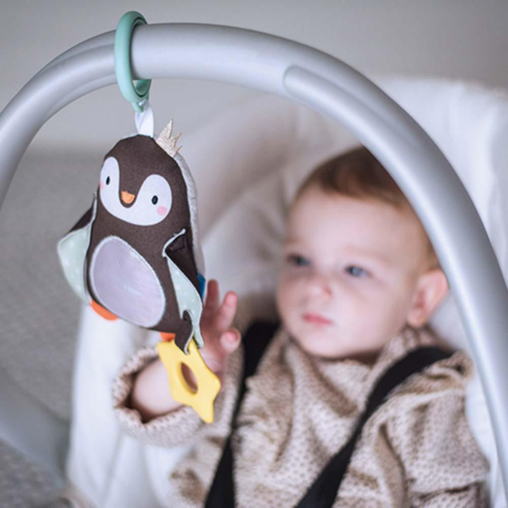 Κρεμαστό παιχνίδι δραστηριοτήτων Prince the Penguin
