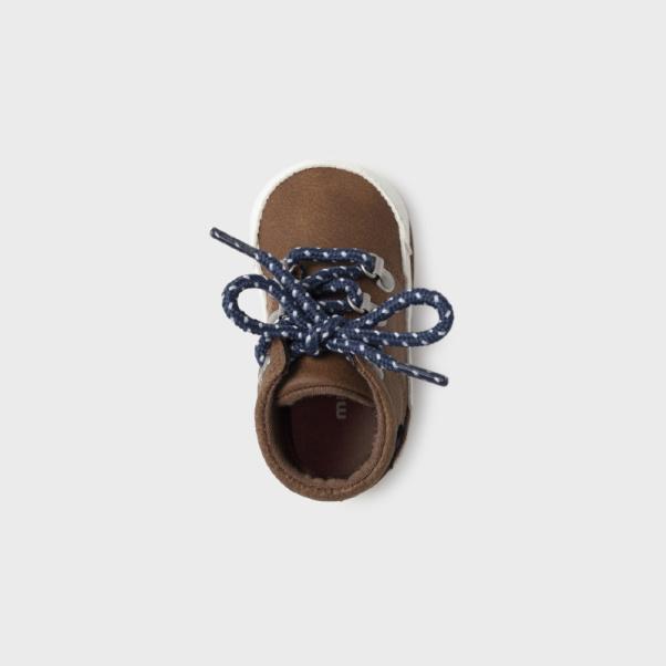 Παπούτσια αγκαλιάς μποτάκια ορειβασίας καφέ Mayoral 9450-94